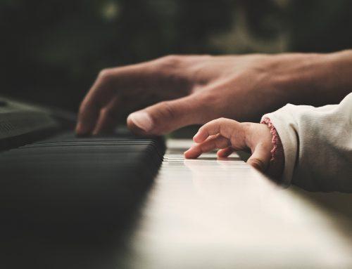 L'abécédaire d'Animozar – la lettre P : Piano numérique ou piano acoustique ?